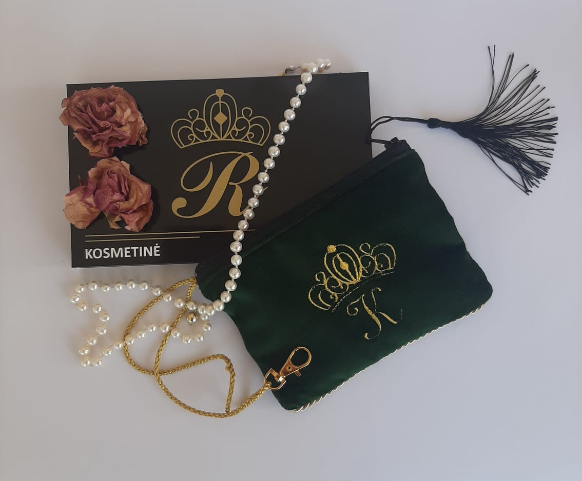 Karališka Kosmetinė žalios spalvos K auksinė raidė