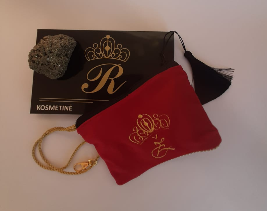 Karališka Kosmetinė raudonos spalvos Ž auksinė raidė